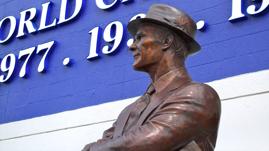 Statue of Tom Landry at Dallas Cowboys' stadium.