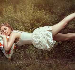 girl dreaming in thin air